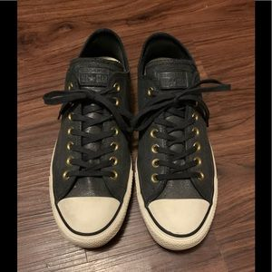 Men's size 9 suede leather converse low tops